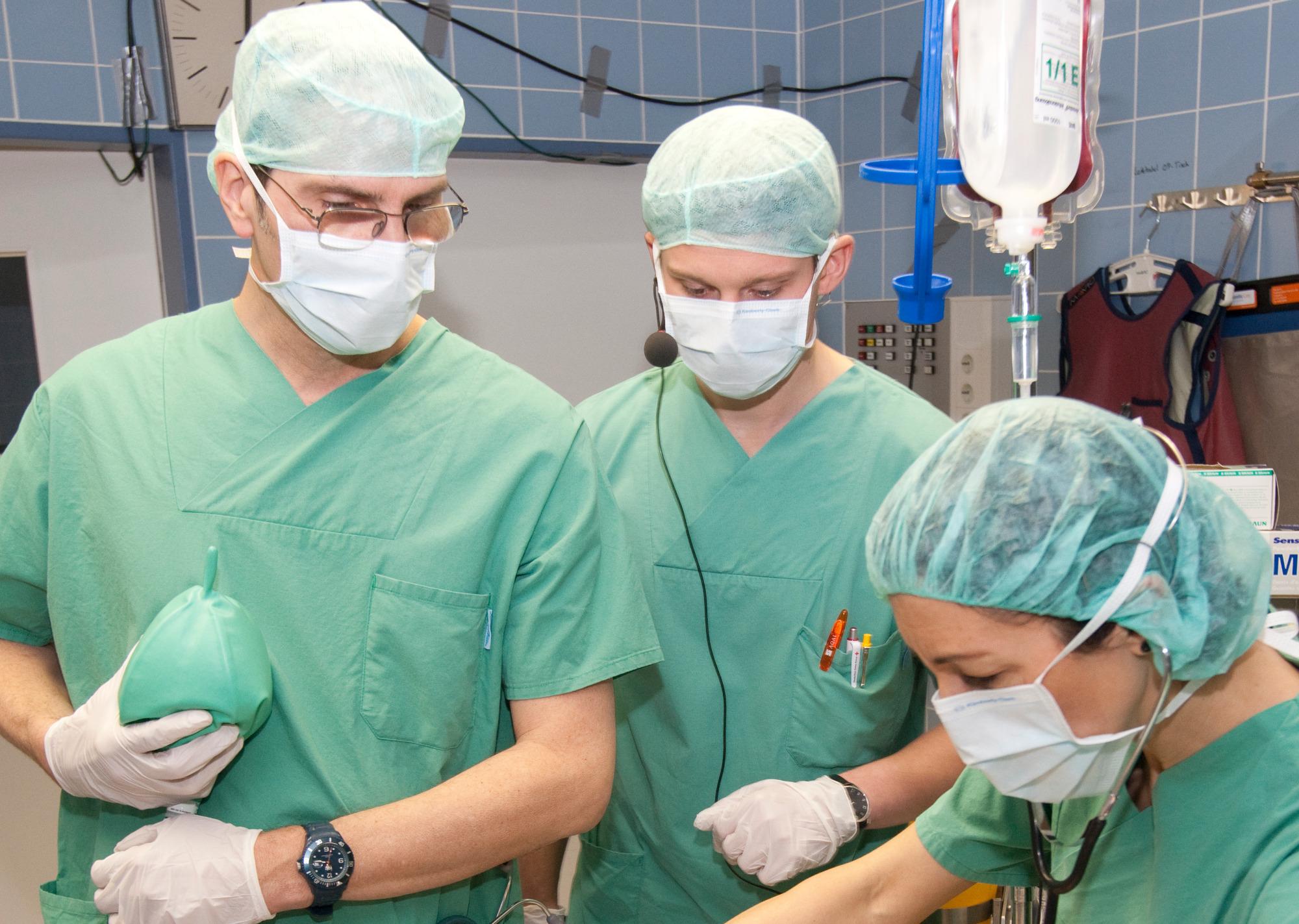 Klinik für Anästhesiologie, operative Intensivmedizin und ...
